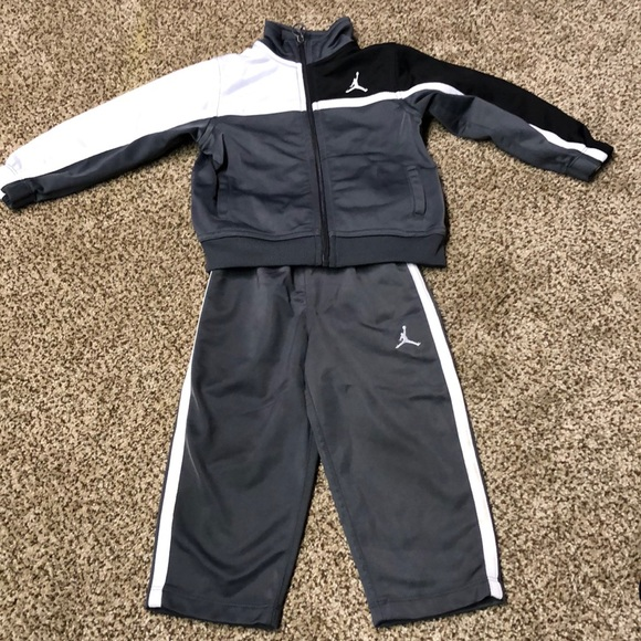 f06d75080e54 Boys 24mon Jordan Outfit. M 5be4f6f4f63eeafe86cbbb10
